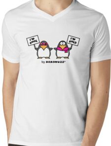 I am cool, I am cold (Two penguins) Mens V-Neck T-Shirt