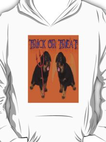 Cute Rottweiler Halloween Trick or Treat Greeting T-Shirt