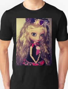 Cachou-Gwendolynn solo T-Shirt