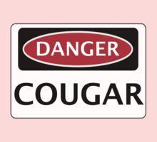 DANGER COUGAR, FAKE FUNNY SAFETY SIGN SIGNAGE T-Shirt