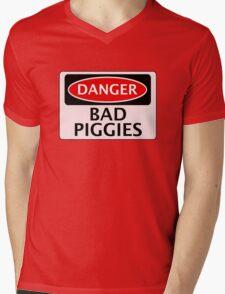 DANGER BAD PIGGIES, FAKE FUNNY SAFETY SIGN SIGNAGE Mens V-Neck T-Shirt