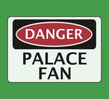 DANGER CRYSTAL PALACE, PALACE FAN, FOOTBALL FUNNY FAKE SAFETY SIGN Kids Tee