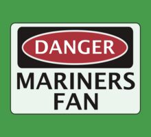 DANGER GRIMSBY TOWN, MARINERS FAN, FOOTBALL FUNNY FAKE SAFETY SIGN Kids Tee