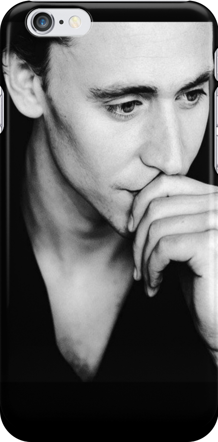 Tom Hiddleston by keirrajs