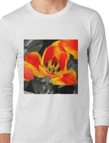 Tulip Macro  Long Sleeve T-Shirt