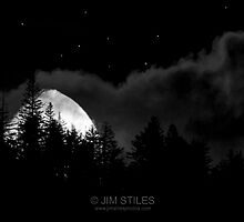 56.3% Waxing Gibbous Moonset by Jim Stiles