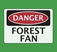 DANGER NOTTINGHAM FOREST, FOREST FAN, FOOTBALL FUNNY FAKE SAFETY SIGN Kids Tee