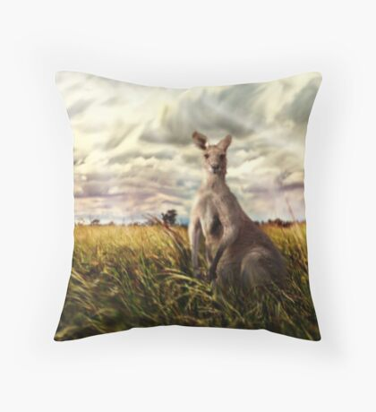 3 kangaroos Throw Pillow
