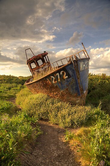 Cley Wreck by Ian Merton
