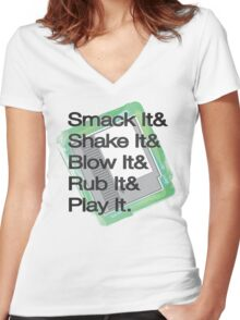 8 (bit) Play Women's Fitted V-Neck T-Shirt