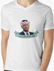 Dean Loves Pie Mens V-Neck T-Shirt