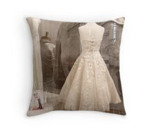 dressed for dreams Throw Pillow