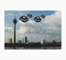 Aliens invade Dusseldorf Kids Clothes