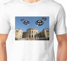 Aliens invade Oslo Unisex T-Shirt