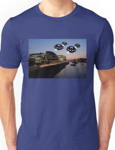 Aliens attack City Hall London Unisex T-Shirt