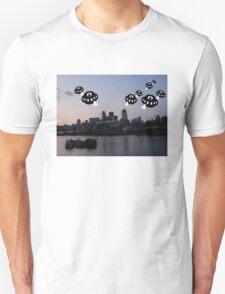 Aliens attack London City T-Shirt
