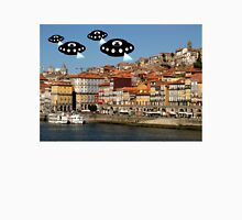 Aliens invade Porto Unisex T-Shirt