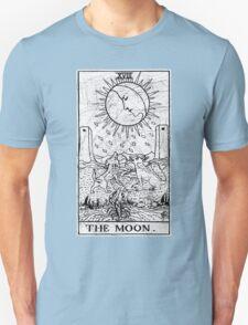 The Moon Tarot Card - Major Arcana - fortune telling - occult T-Shirt