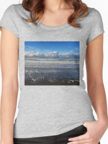 Beckoning Sea Women's Fitted Scoop T-Shirt