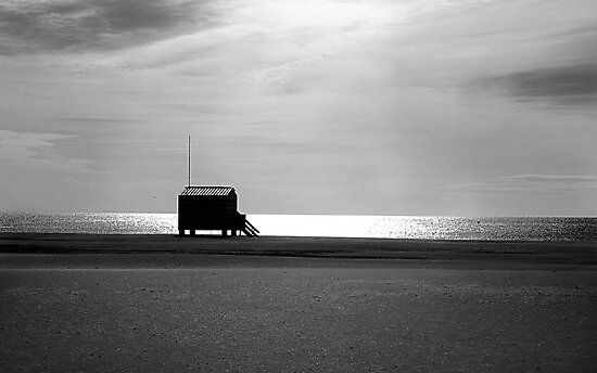 Beach hut. by Paul Pasco