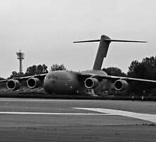 C-17 Globemaster Taxi by andy lewis