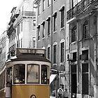 Tranvía Lisboa streetcar by Lavanda