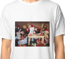'So it's ALWAYS the men's job, wrapping the gifts?' Classic T-Shirt