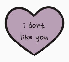 Sassy Heart–i don't like you–Mauve by Sam Asselman
