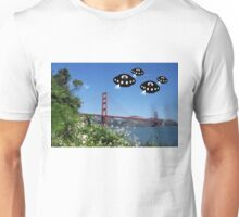 Aliens invade San Francisco Unisex T-Shirt