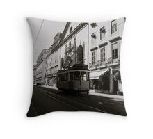 Lisboa Throw Pillow
