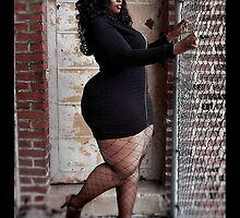 Phoenix BBW thick plus model by softandthickmag