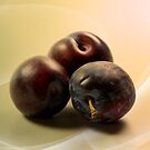 Plums with softlines by RosiLorz