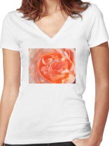 Macro Rose Women's Fitted V-Neck T-Shirt