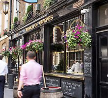 youngs pub by Anne Scantlebury