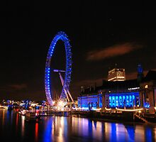 London Eye on night 2 by santinopani