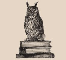 Library owl  T-Shirt