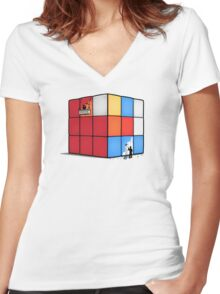 Solving the cube Women's Fitted V-Neck T-Shirt