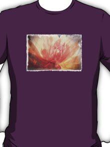 Antique Look Pretty Orange Flower Photograph T-Shirt