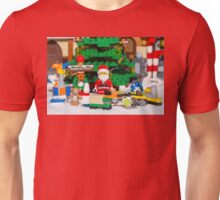 Santa with gifts ready to wrap! Unisex T-Shirt