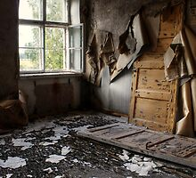 4.9.2013: Abandoned IV by Petri Volanen