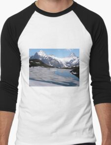 Bachalpesee with Fiescherhornen in the background, Switzerland Men's Baseball ¾ T-Shirt