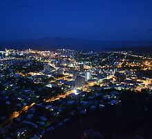 Townsville City At Night by cycloneshane