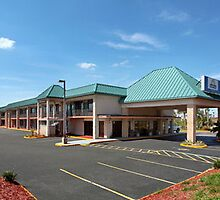Days Inn & Suites Davenport by deepSingh