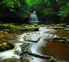 Cauldron Falls by Paul Bettison