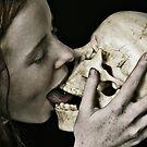The Kiss by skorphoto