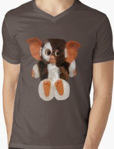 ❤ 。◕‿◕。 GIZMO TEE SHIRT❤ 。◕‿◕。gotta luv him and i do hugs❤ 。◕‿◕。 Mens V-Neck T-Shirt