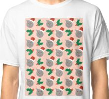 Christmas Cat mistletoe and holly cute cat pattern for pet lovers and cat ladies Classic T-Shirt