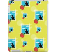 seamless pattern with friendly  cat with flowers iPad Case/Skin