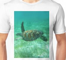 Green Turtle Swimming In The Tropical Caribbean Ocean. Unisex T-Shirt