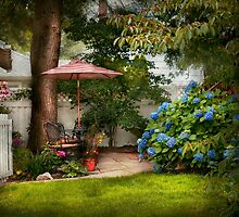Flower - Westfield, NJ - Private paradise by Mike  Savad